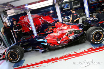 Scuderia Toro Rosso, STR02