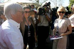 Bernie Ecclestone Dannii Minogue Australian pop-singer and Kylie Minogue, Australian pop-singer