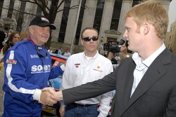 Georgia governor Sonny Perdue greets Kevin Harvick and Steve Wallace