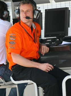 Dom Harlow, Spkyer race engineer