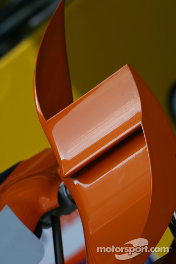 Renault F1 Team, R27, Bodywork detail
