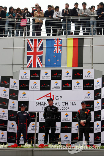 Podium, Robbie Kerr, Driver of A1Team Great Britain, Jonny Reid, Driver of A1Team New Zealand, Nico Hulkenberg, Driver of A1Team Germany