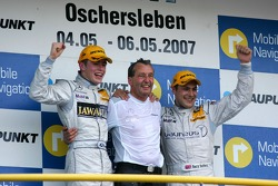 Podium, a 1-2 victory for Persson Motorsport, with Gary Paffett, Persson Motorsport AMG Mercedes Paul di Resta, Persson Motorsport AMG Mercedes. Center: Ingmar Persson, Team Owner Persson Motorsport