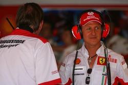 Kees van de Grint, Bridgestone Tyre Engineer and Michael Schumacher, Scuderia Ferrari, Advisor