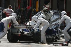 Nick Heidfeld, BMW Sauber F1 Team, F1.07 retires from the race
