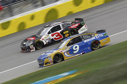 Austin Dillon, Richard Childress Racing Chevrolet and Sam Hornish Jr., Richard Petty Motorsports Ford
