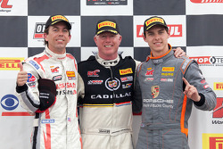 Class winners: GTA winner Bryan Heitkotter, GT winner Johnny O'Connell, GT Cup winner Colin Thompson