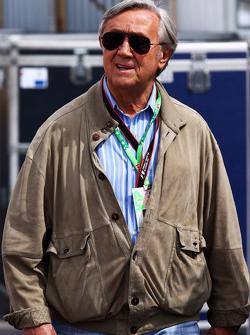 والتر وولف، مالك فريق فورمولا واحد سابق