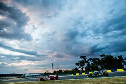 #22 Nissan Motorsports Nissan GT-R LM NISMO: Harry Tincknell, Alex Buncombe, Michael Krumm and #42 Strakka Racing Strakka-Dome S103: Nick Leventis, Jonny Kane, Danny Watts