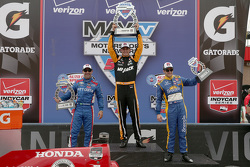 Race winner Graham Rahal, Rahal Letterman Lanigan Racing, second place Tony Kanaan, Chip Ganassi Racing Chevrolet and third place Marco Andretti, Andretti Autosport Honda