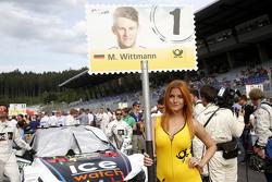 Gridgirl von Marco Wittmann, BMW Team RMG, BMW M4 DTM