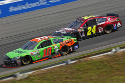 Danica Patrick, Stewart-Haas Racing Chevrolet and Jeff Gordon, Hendrick Motorsports Chevrolet