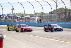 Ryan Newman, Richard Childress Racing Chevrolet and Jamie McMurray, Chip Ganassi Racing Chevrolet and Matt Kenseth, Joe Gibbs Racing Toyota