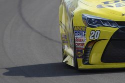 Matt Kenseth, Joe Gibbs Racing Toyota running with a flared out side