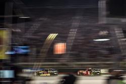 Ryan Newman, Richard Childress Racing Chevrolet and Jamie McMurray, Chip Ganassi Racing Chevrolet