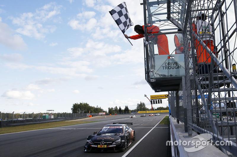 Pascal Wehrlein, HWA AG, Mercedes-AMG C63 DTM, holt den Sieg