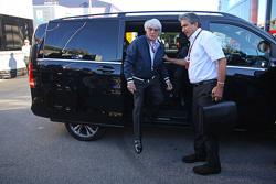Bernie Ecclestone con Pasquale Lattuneddu de FOM