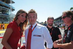 Federica Masolin, Sky F1 Italia Presenter with Davide Valsecchi, Sky F1 Italia Presenter on the grid