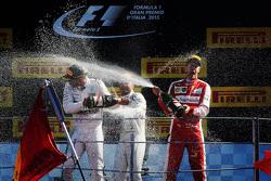 颁奖台: 冠军路易斯 汉密尔顿, 梅赛德斯车队; 亚军塞巴斯蒂安 维特尔, 法拉利车队; 季军菲利普 马萨,威廉姆斯车队