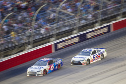 Trevor Bayne, Roush Fenway Racing Ford and David Ragan, Michael Waltrip Racing Toyota