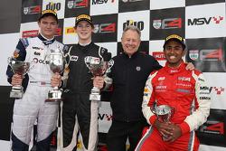 Podium race 1: winner Harrison Newey, HHC Motorsport, second place Will Palmer, HHC Motorsport, third place Ameya Vaidyanathan, Hillspeed