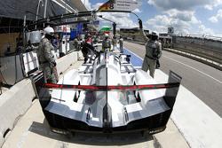 保时捷车队18号保时捷919 Hybrid赛车:罗曼·杜马斯、马克·里布、尼尔·雅尼