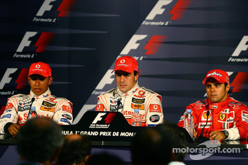 Press conference: pole winner Fernando Alonso with Lewis Hamilton and Felipe Massa