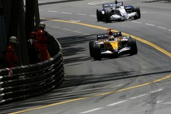 Giancarlo Fisichella, Renault F1 Team, Nick Heidfeld, BMW Sauber F1 Team