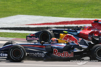 Mark Webber, Red Bull Racing, RB3 and Vitantonio Liuzzi, Scuderia Toro Rosso, STR02