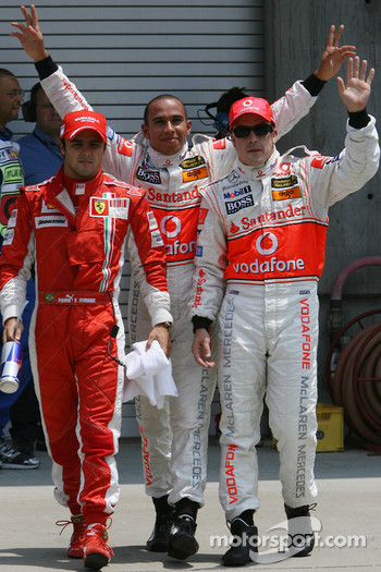 Pole Position, 1st, Lewis Hamilton, McLaren Mercedes, MP4-22, 2nd, Fernando Alonso, McLaren Mercedes, MP4-22, 3rd, Lewis Hamilton
