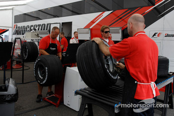 Bridgestone prepare the tyres for the weekend