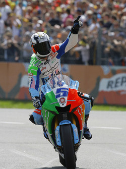 Colin Edwards celebrates
