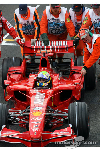 Felipe Massa, Scuderia Ferrari get pushed from the Grid after problems