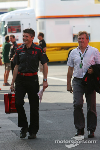 Nick Fry, Honda Racing F1 Team, Chief Executive Officer and Johannes Klien, Father of Christian Klien