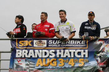 Remote controlled bike race: Noriyuki Haga, Troy Bayliss, James Toseland, Max Biaggi