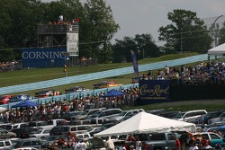 The field runs up the esses on pace lap