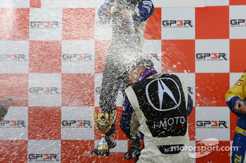 Podium: champagne for Kuno Wittmer and Nick Wittmer