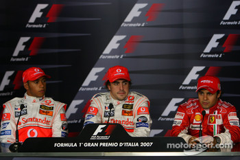FIA press conference: pole winner Fernando Alonso with Lewis Hamilton and Felipe Massa