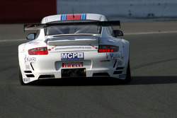 #95 James Watt Automotive Porsche 997 GT3 RSR: Paul Daniels, Dave Cox, Joel Camathias