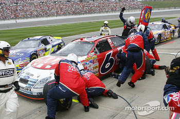 Pitstop for David Ragan
