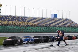 Rain delay during the LifeLock 400