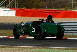 #33 HRG Le Mans Model 1938: Williams M/Baxter J, GB