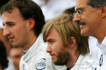 BMW Sauber F1 Team group picture: Dr. Mario Theissen, BMW Sauber F1 Team, BMW Motorsport Director, Nick Heidfeld, BMW Sauber F1 Team, Robert Kubica,  BMW Sauber F1 Team