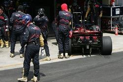 Sebastian Vettel, Scuderia Toro Rosso, STR02  retires from the race