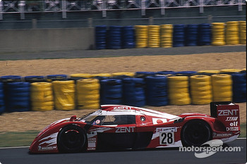 #28 Toyota Motorsport Toyota GT-One: Martin Brundle, Emmanuel Collard, Eric Hélary