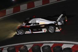 #7 Peugeot Total Peugeot 908 HDI FAP: Marc Gene, Nicolas Minassian
