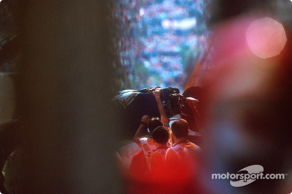 Ayrton Senna Body After Crash Ayrton Senna Car Crash Photos