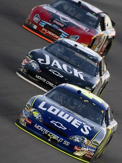 Jimmie Johnson leads Clint Bowyer and Bill Elliott