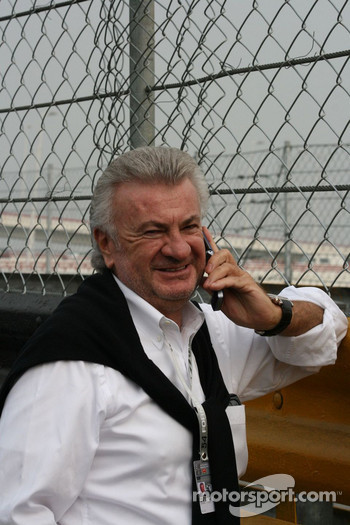 Willi Weber phoning home with news of Nico Hulkenberg