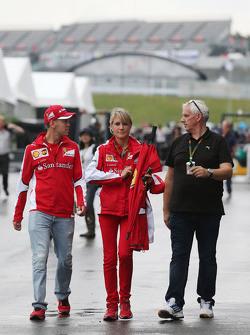 Sebastian Vettel, Ferrari com Britta Roeske, Ferrari assessora de imprensa